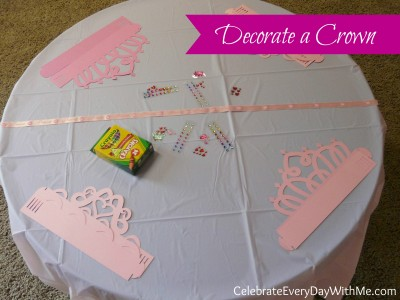 decorate a crown activity.