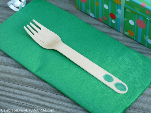 creative touch on wooden utensils for child's early birthday party