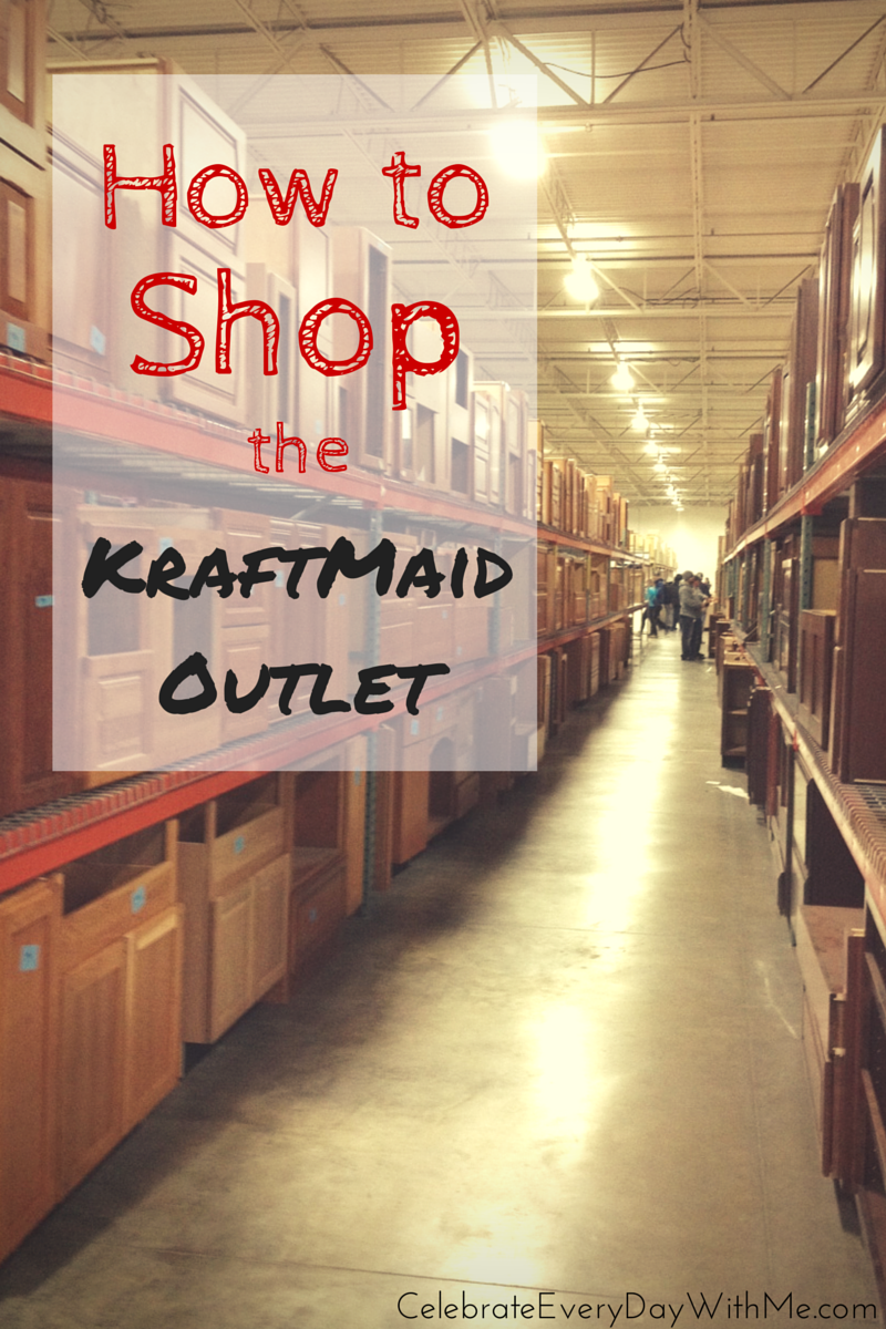 What cabinets are available at the Kraftmaid outlet?