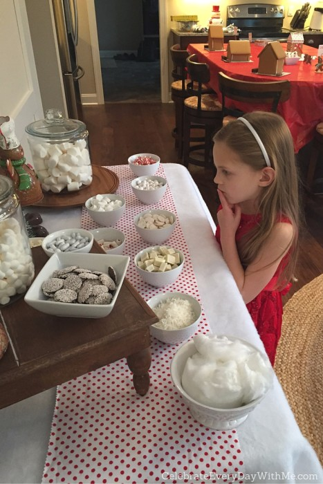 Snowy Gingerbread House Party - 14