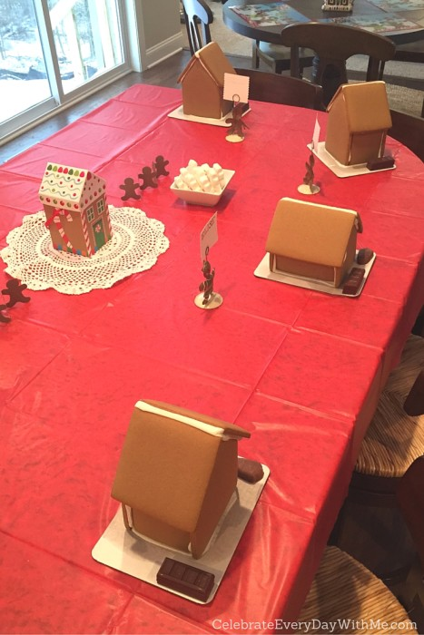 Snowy Gingerbread House Party - 16