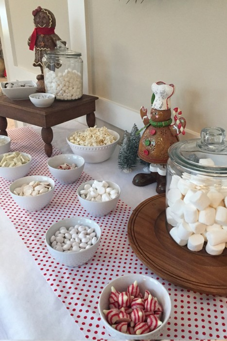 Snowy Gingerbread House Party - 6