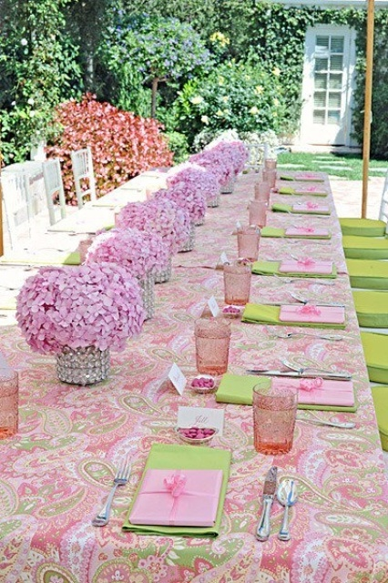 gorgeous-spring-wedding-table-settings-8