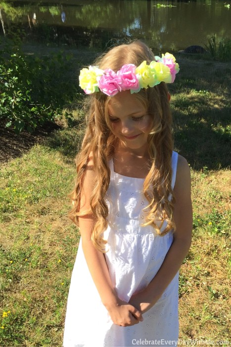 How to make a flower crown with tissue paper (46)