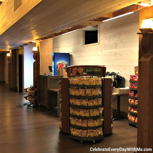 Ark Encounter snack station (a)