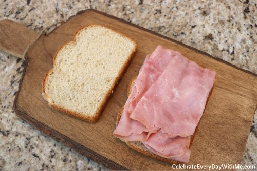 Make Spring Entertaining Easy with This 6-Ingredient Sandwich - RECIPE) (3)