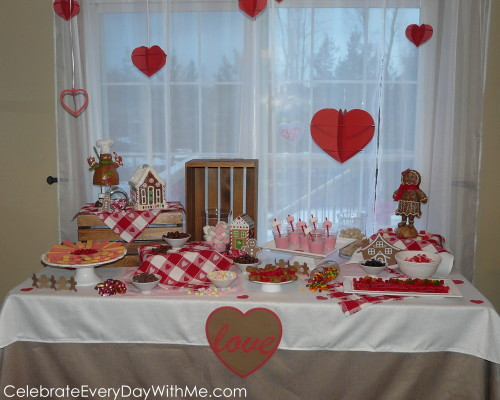 Valentine-Gingerbread-Party-2-500x400
