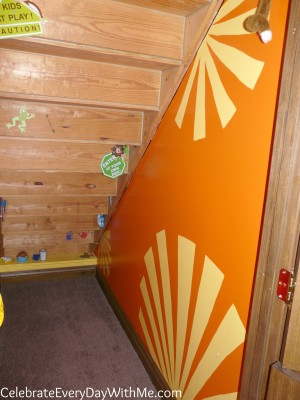 clubhouse wall design-sunbursts