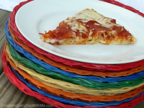 DIY - Give a little pizzazz to your paper plate holders!