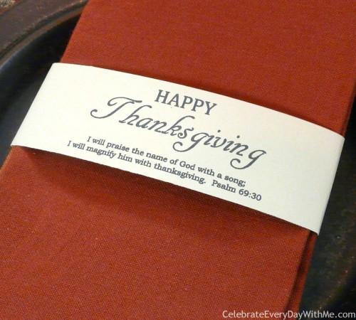 I'm going to print these!  Thanksgiving Printable Napkin Wraps