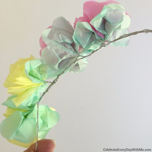 How to make a flower crown with tissue paper (23)