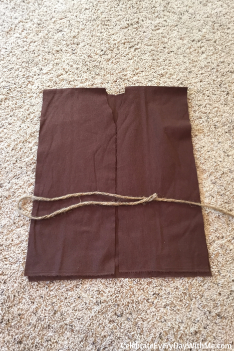 how to make a no-sew jedi robe (1)